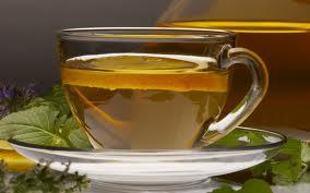 Τσάι με τζίντζερ και λεμόνι